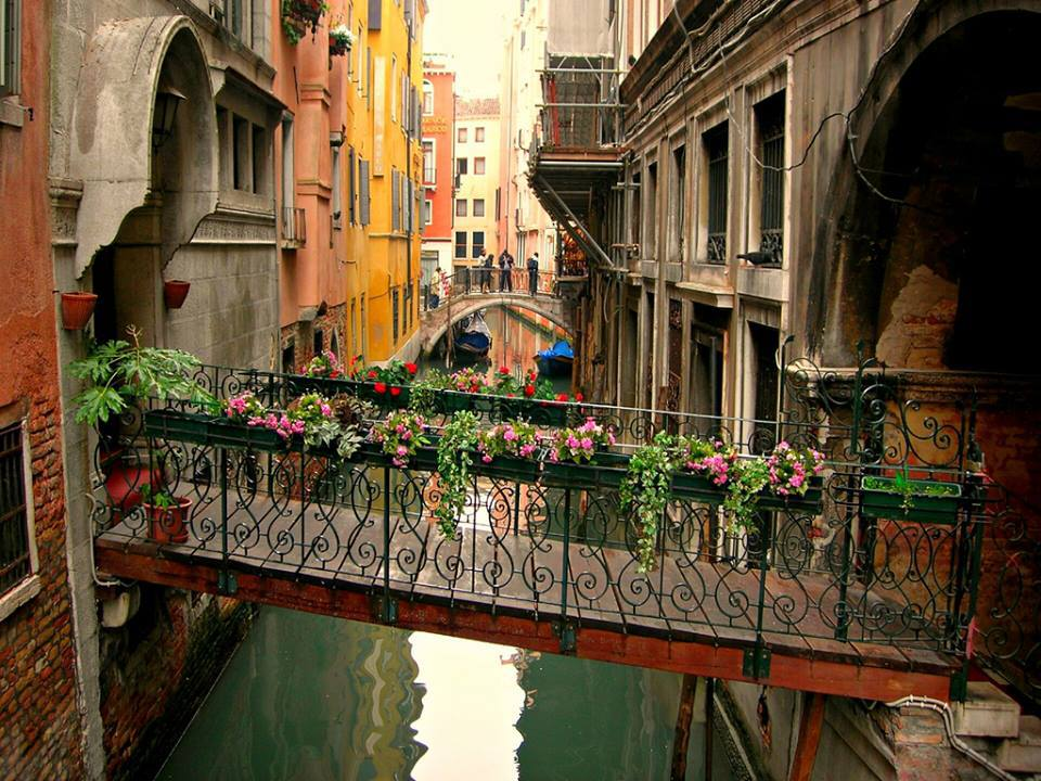 Enchanting venice Italy - FrizeMedia Digital Marketing Advertising Consulting