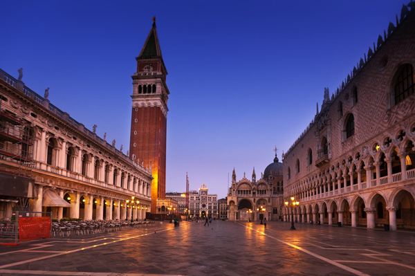 Venice Italy - Piazza San Marco - St Peters Square - FrizeMedia Digital Marketing Advertising Consulting