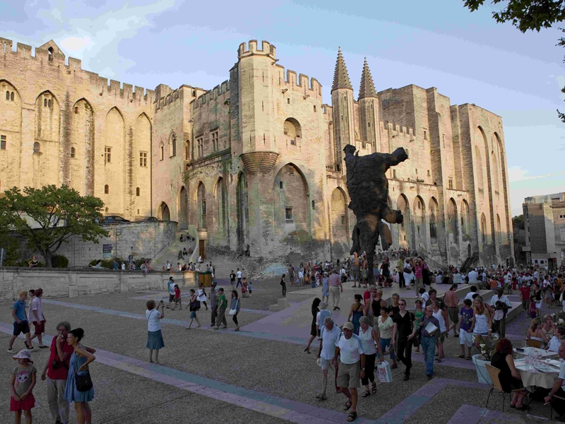 #Avignon – Great #City Of The #Popes In #France #FrizeMedia #travel