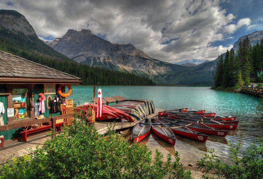 Emerald Lake - #Canada - An Overview And #Travel #FrizeMedia #DigitalMarketing