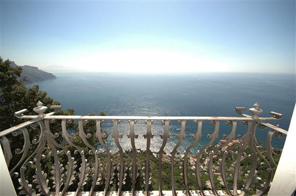 Amalfi Coast Italy - FrizeMedia Digital Marketing Advertising Consulting