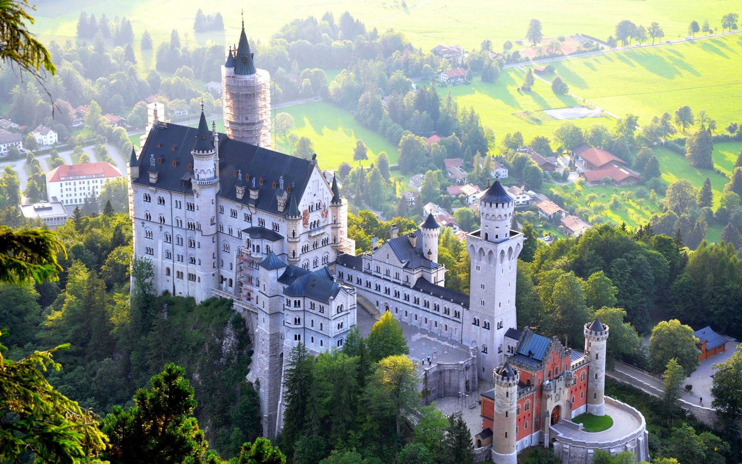 Neuschwanstein Castle Bavaria Germany - FrizeMedia - Digital Marketing Advertising Consulting