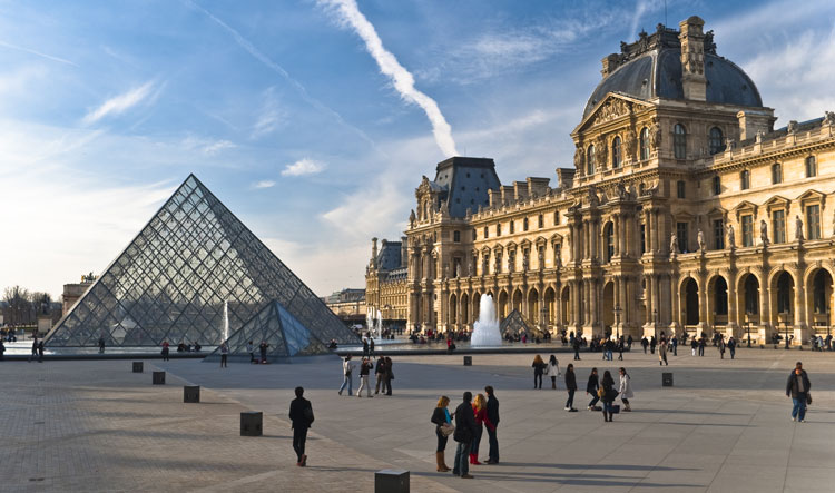 Paris Louvre Museum - France - FrizeMedia - Digital Marketing Advertising Consulting