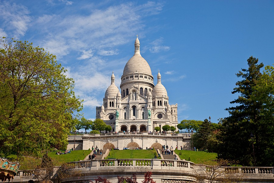 Paris Sacre Coeur Basilica - France - FrizeMedia Digital Marketing Advertising Consulting