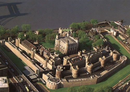 Tower Of London Aerial View - FrizeMedia