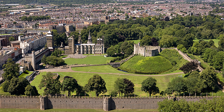 Cardiff Castle (Castell Caerdydd)- #Cardiff City Guide - One Of Europes Beautiful Maritime Cities #Travel