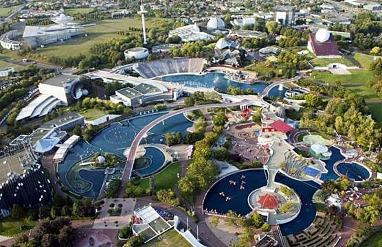 Futuroscope - Multimedia Theme Amusement Park In France #Travel #FrizeMedia