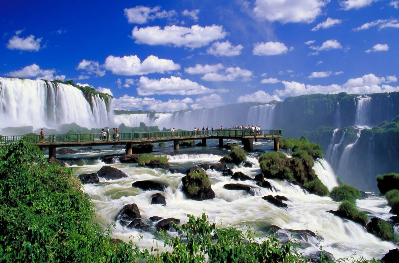 Iguazu Falls - Waterfalls of the Iguazu River Border of Argentine province of Misiones and Brazilian state of Paraná. FrizeMedia