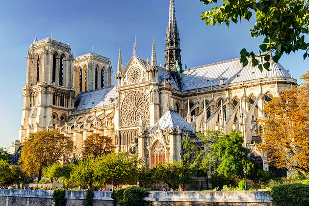 Paris Notre Dame Cathedral - France - FrizeMedia - Digital Marketing Advertising Consulting