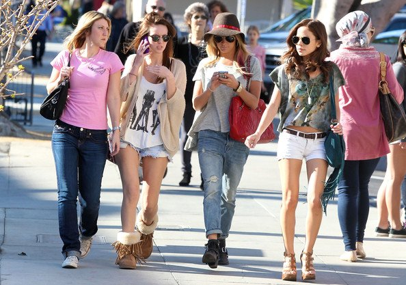 Santa Monica Ashley Tisdale And Friends Shopping