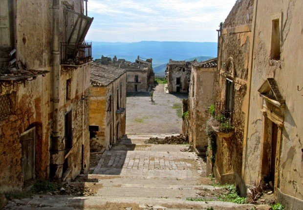Sicily Tours Poggioreale Italy - FrizeMedia - Digital Marketing Advertising Consultants